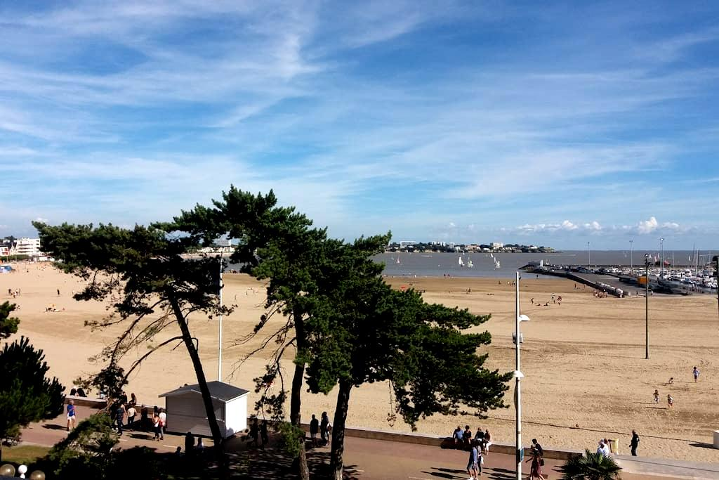 Grand appartement entre la plage et la ville - Royan - Leilighet