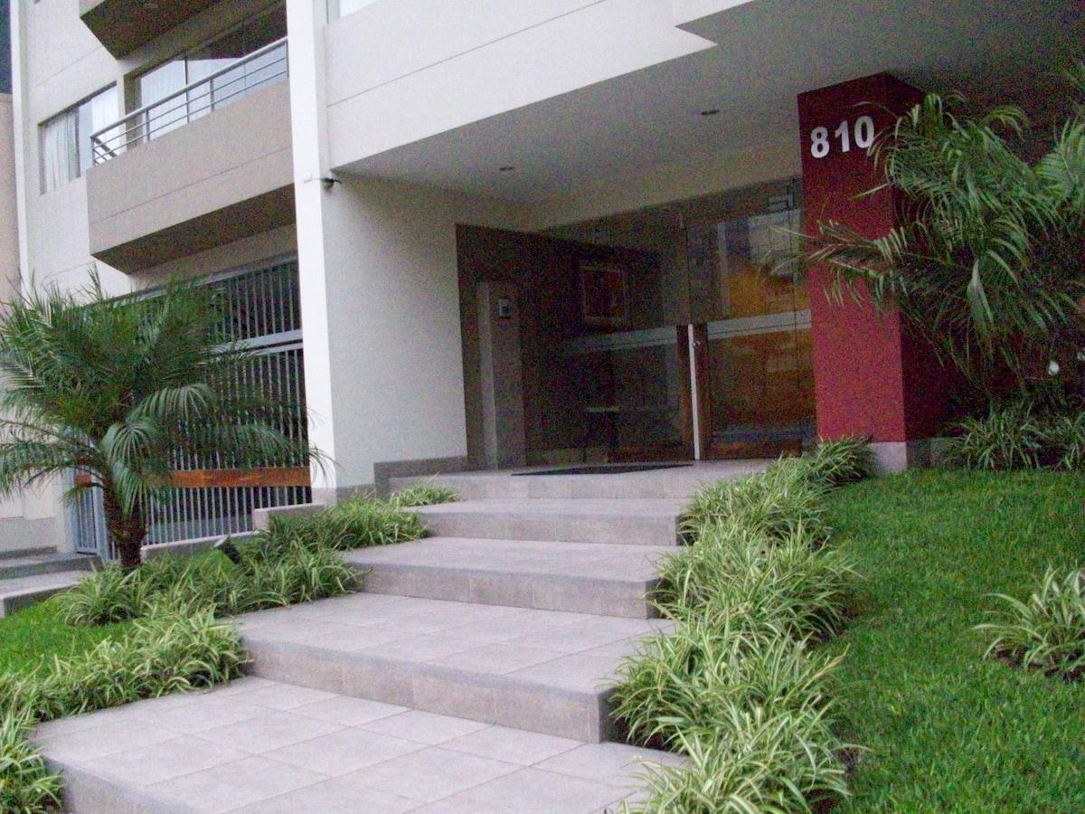 New 3 bedroom Apt in Miraflores
