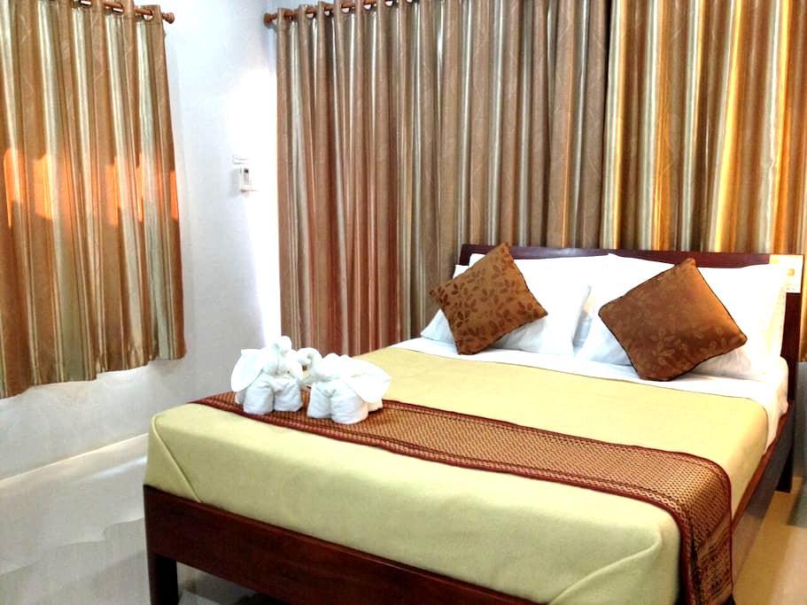 Jim Guesthouse| Kanchanaburi - Kanchanaburi Thailand - Bungalow