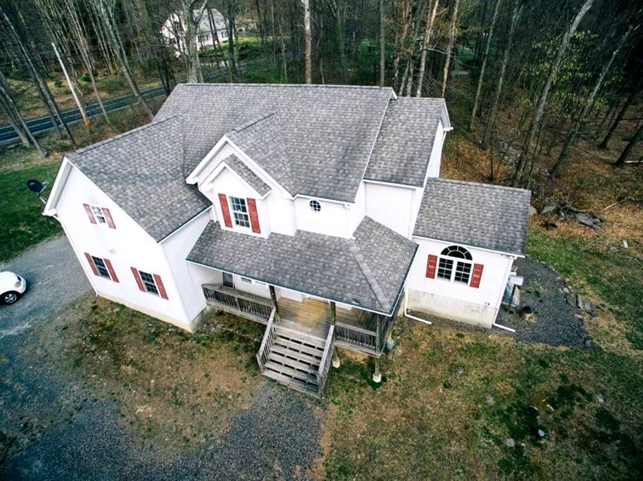 Centro Villa by Camelback - Tannersville - วิลล่า