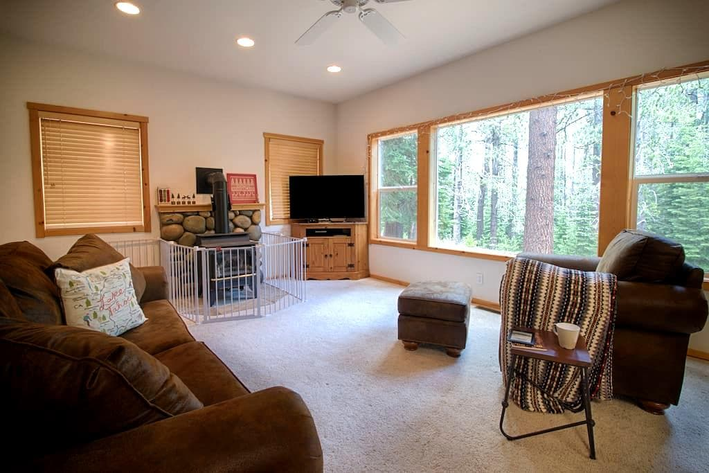 Home with tranquil view of the forrest - Truckee - Wohnung