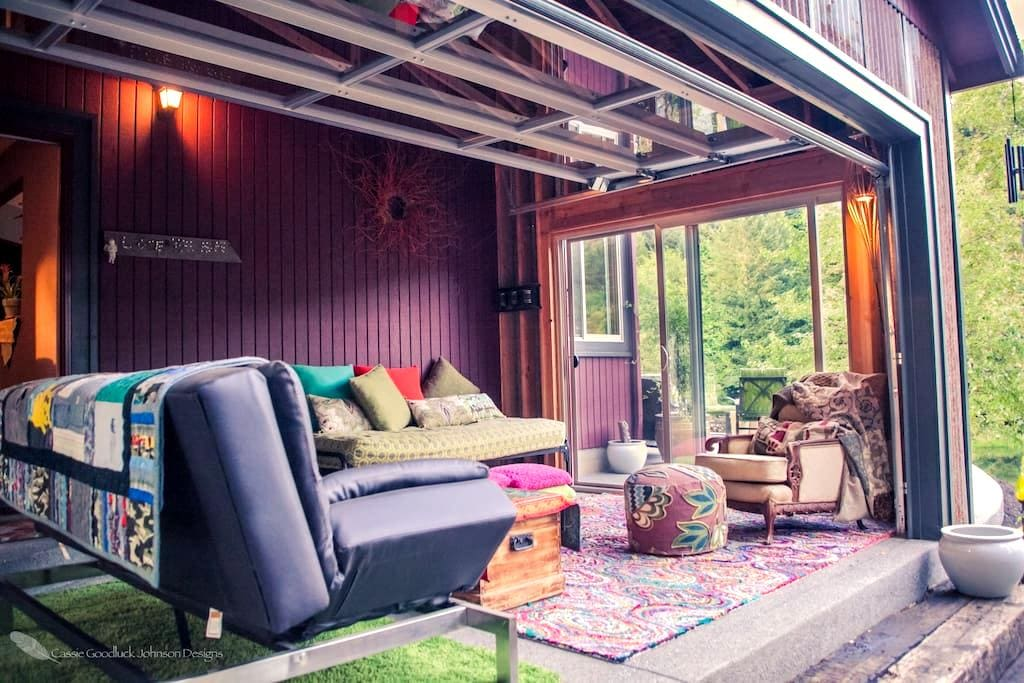 Peaceful private sunroom on 5 forrested acres - Banks - Huis