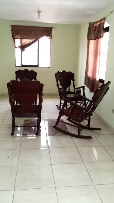 Room 1 Modern, Clean, Cozy, close to Down-town. - Barahona - Appartement