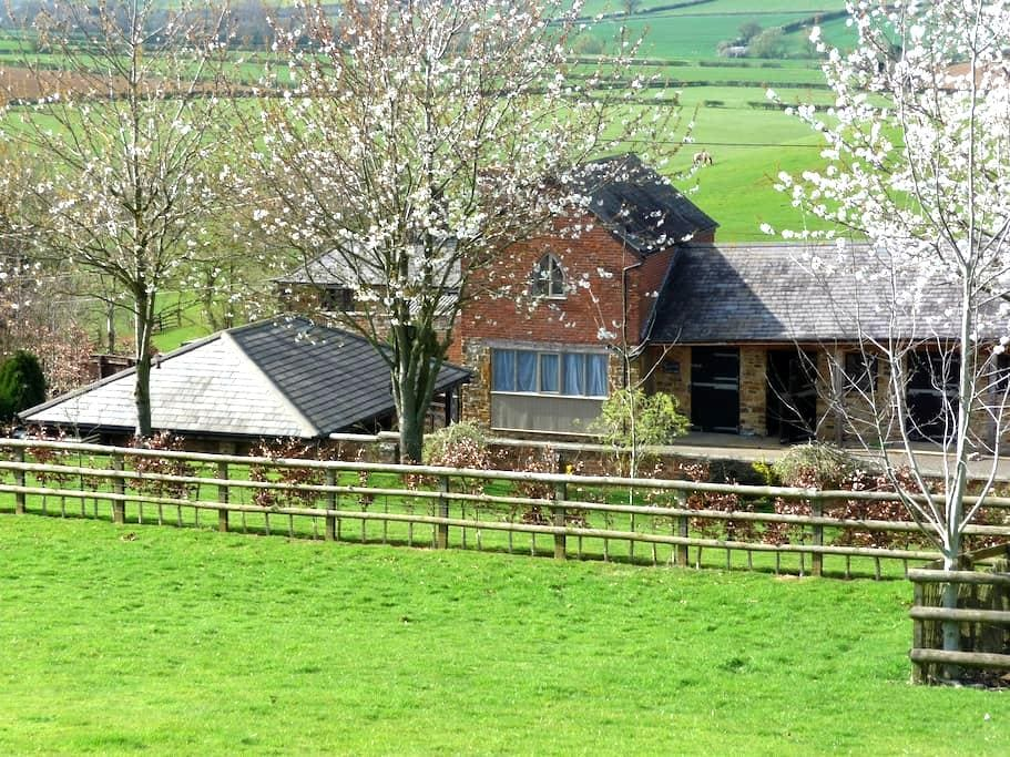 Grooms Cottage, Grimscote,Towcester - Towcester - Rumah
