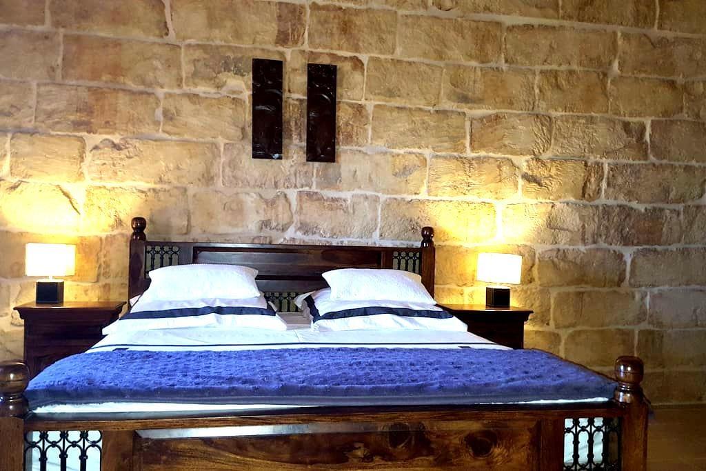 Old charms & new comforts - Nadur - Casa