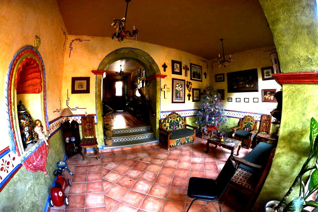 Casa Bonita in Jalpan´s downtown. - Jalpan de Serra - Hus