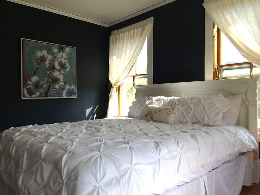 Little House Inn - Waimea Room (king bed) - Rumney - Inap sarapan