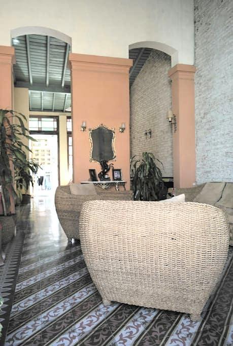 Colonial House y Patio en Santa Clara  - Santa Clara - Apartment