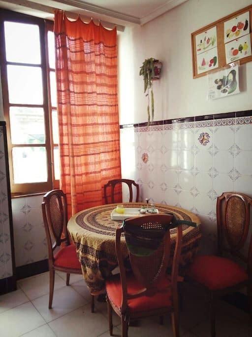 habitación con cama doble. Alboraya - Alboraia - Dům