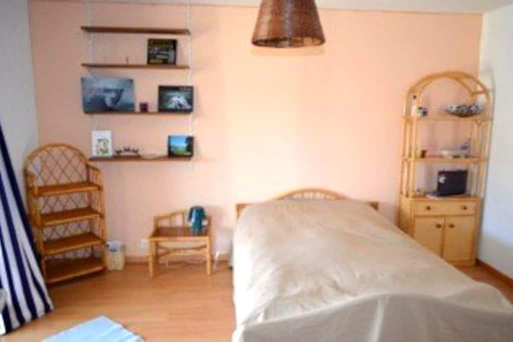Chambre au calme - Clos du Doubs - Montenol - Hus