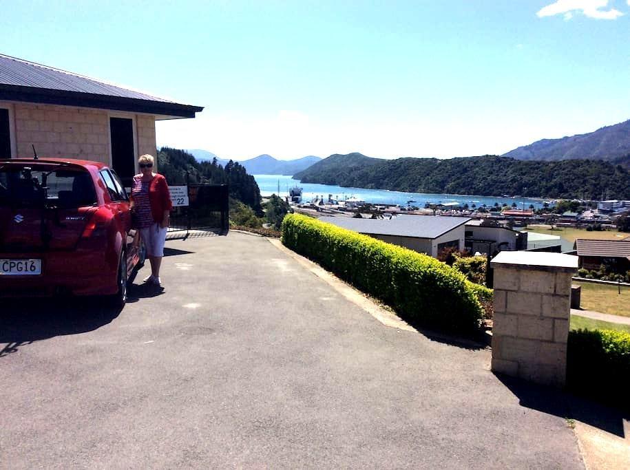 Great views over Marlborough Sounds - Picton - Apartament