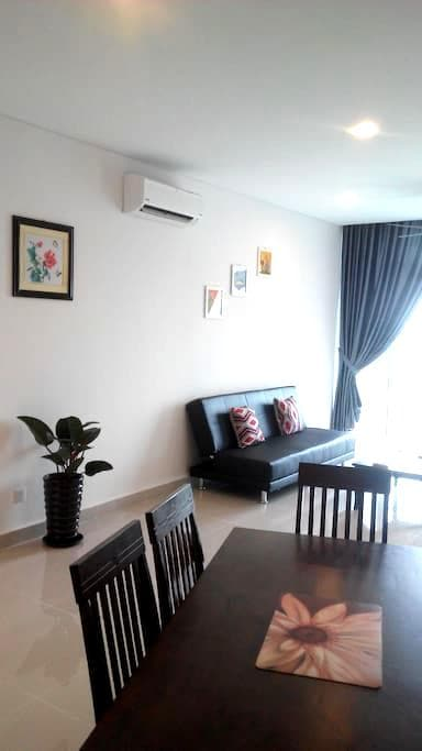 Simple and cozy home near to Legoland - Nusajaya - Condominium