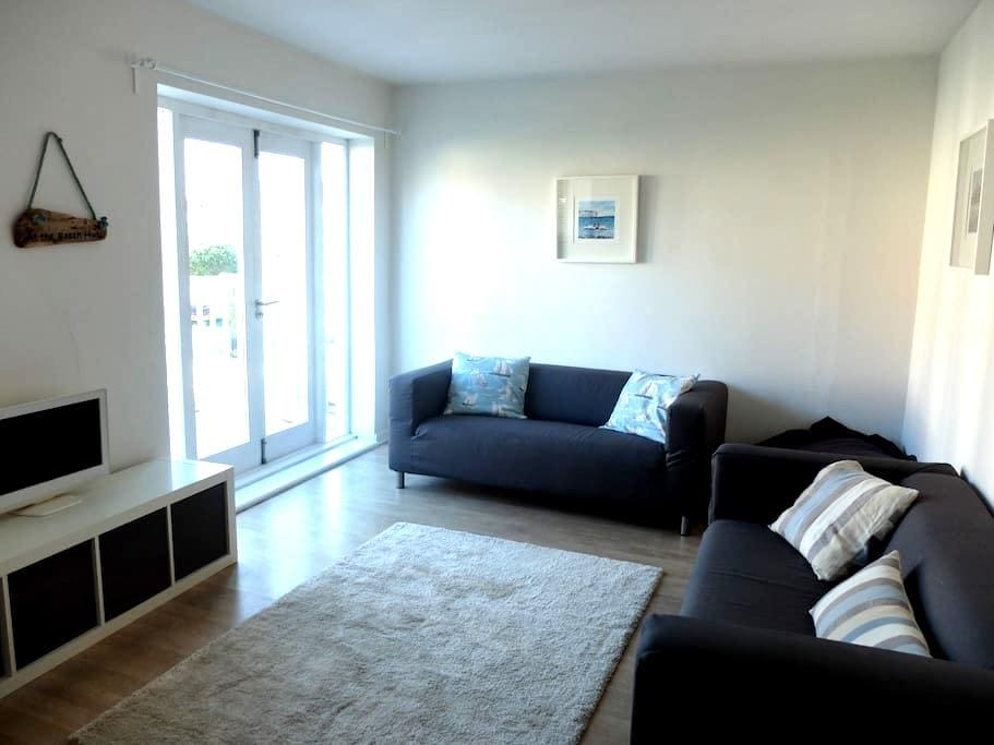 Sea Mist, bright and spacious apartment near beach - Swanage - Apartamento