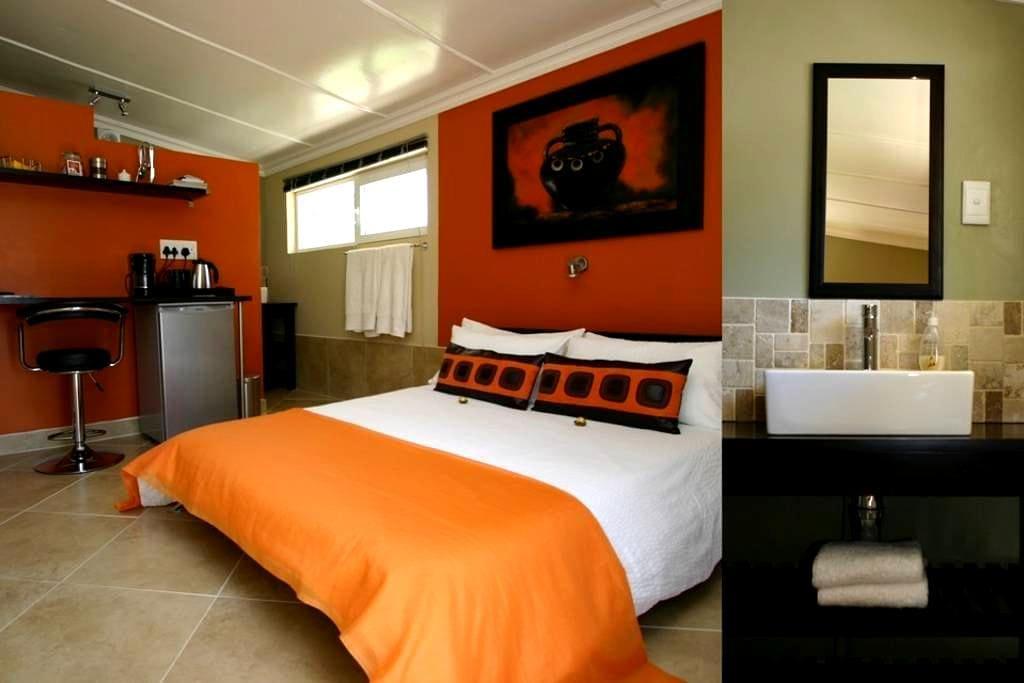 Double Room - Beaufort West - Apartemen