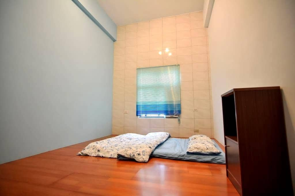 Individual room rental special for Backpackers . - Hengchun Township - Ev