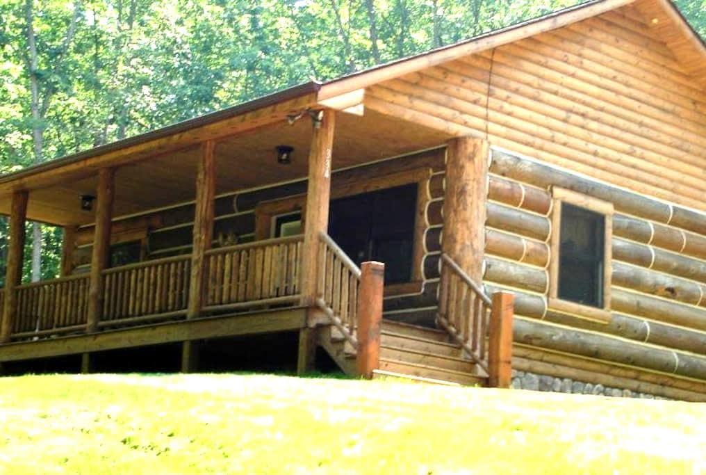 Whispering Pines Cabin: Shen Woods - Stanley