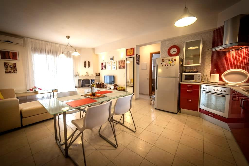 Spacious and peaceful apartment near the beach - Καλλιθέα - Appartamento