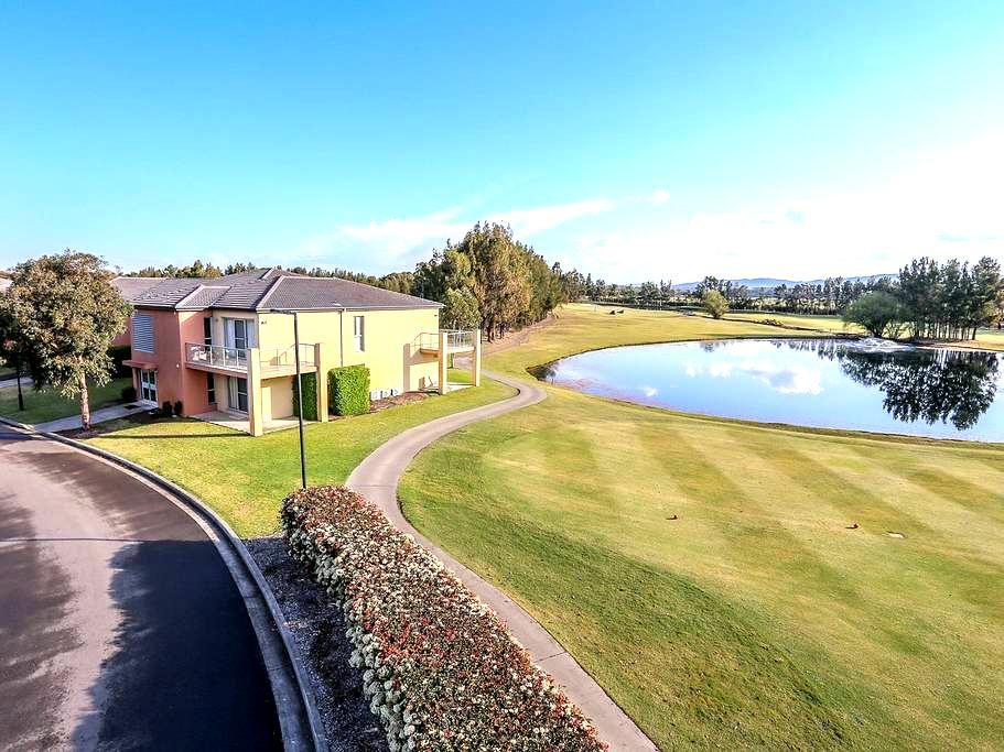 Villa on the Green - Lovedale/Hunter Valley - Lovedale