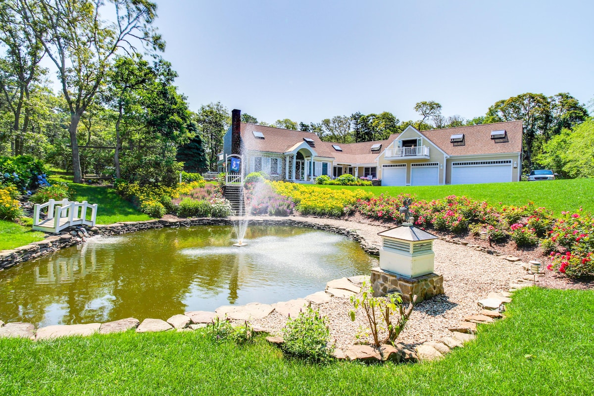 Quiet, luxury retreat surrounded by serene gardens and landscaping ...