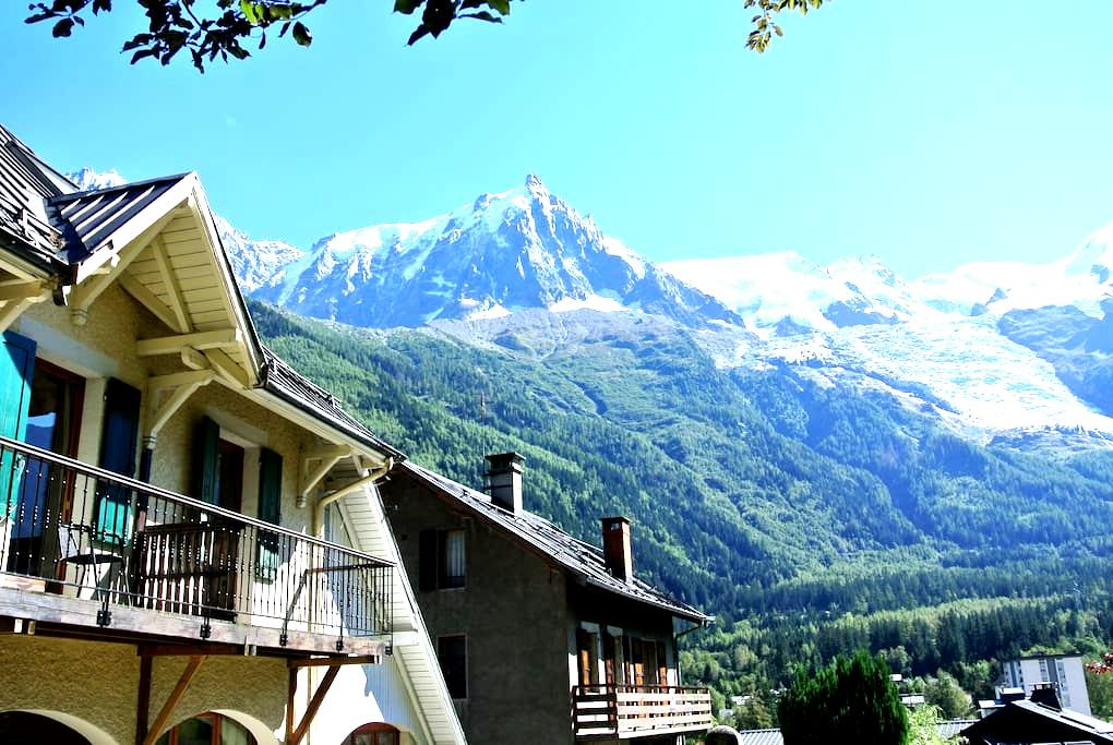 Appartment in a country house close to the center - Chamonix