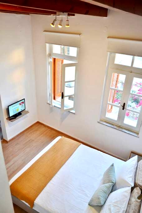 Santa Katerina Apartments - with roof terrace - Chania