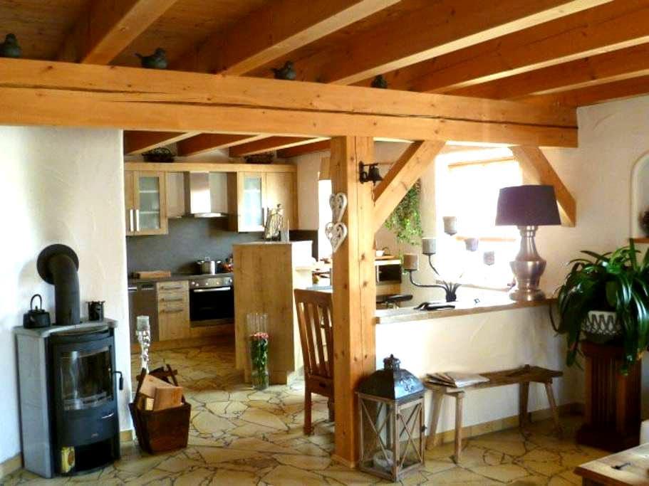 Exklusive 2 Zimmer Wohnung - Hohenwart - Pis