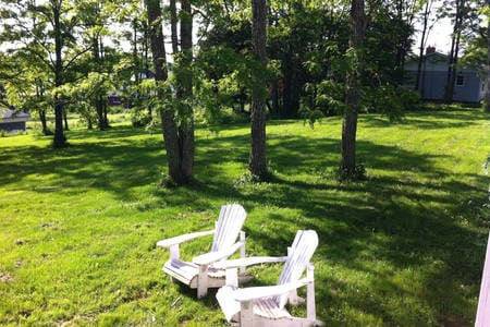 The Green Room at Glenora\'s - Houses for Rent in Gagetown, New ...