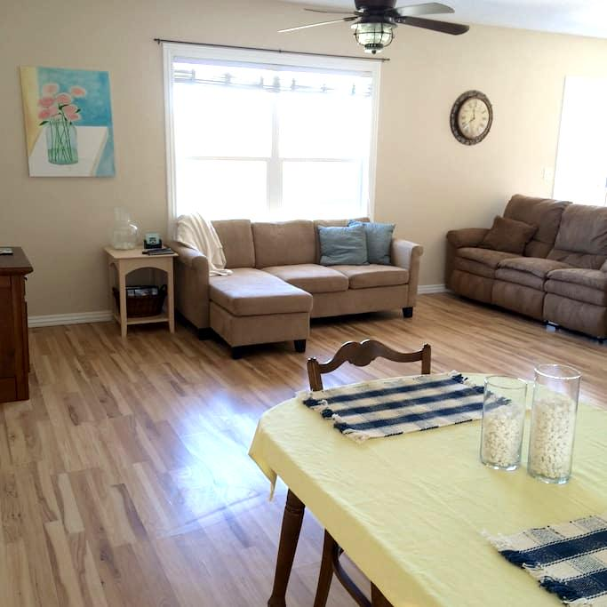 Quiet & Clean Country Cottage Home - Billings - Dom