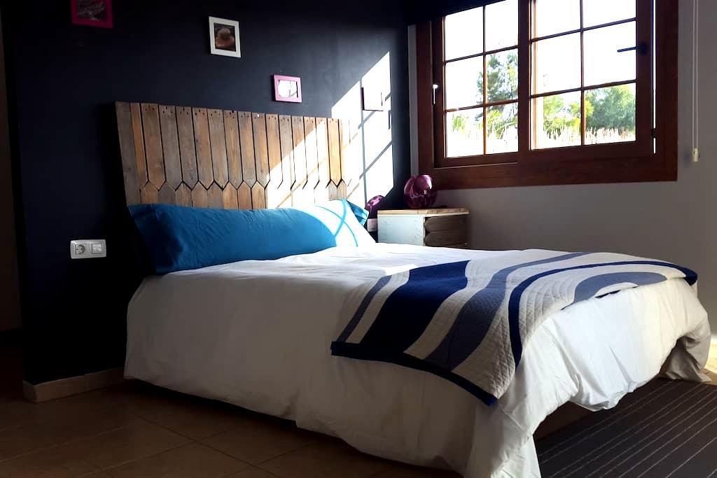 Yoga & Surf House - camera Vata - La Oliva - Villa