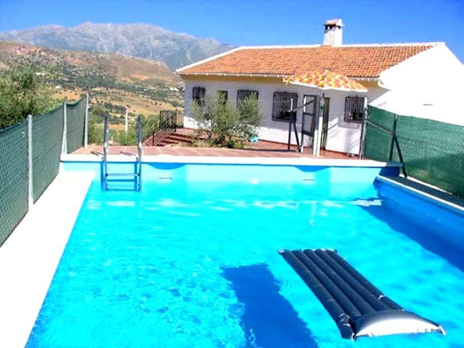 Casa rural +  piscina, barbacoa y vistas preciosas - Periana