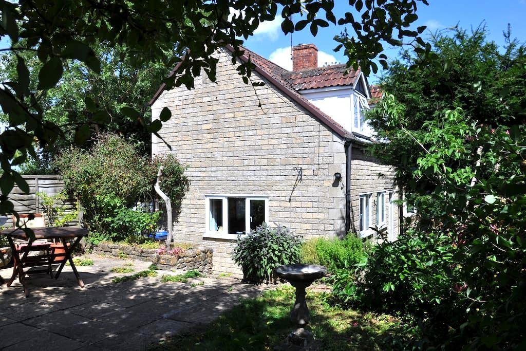 Brook Cottage Annex Kington Langley - Kington Langley - House