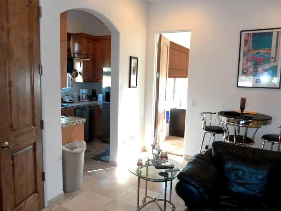 Separate private luxury guest house - Goodyear - Appartement