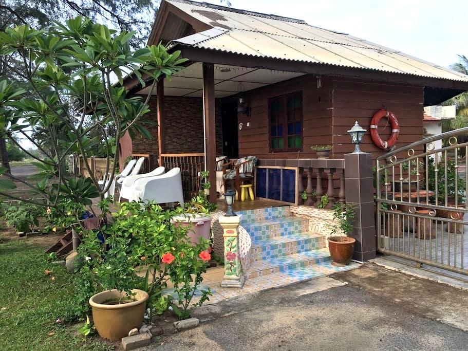 Casuarina Cottage Paka - Pekan Kuala Paka - 牧人小屋