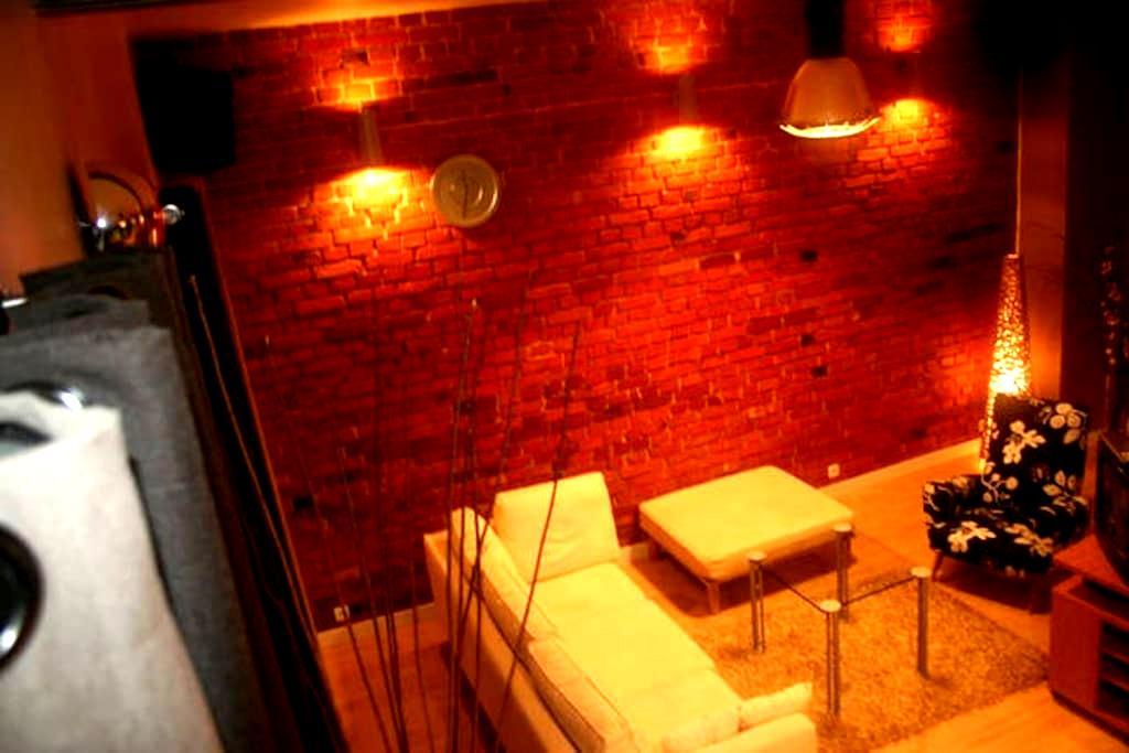 75m2 Wohnung + grossem Balkon - Leszno - Leilighet
