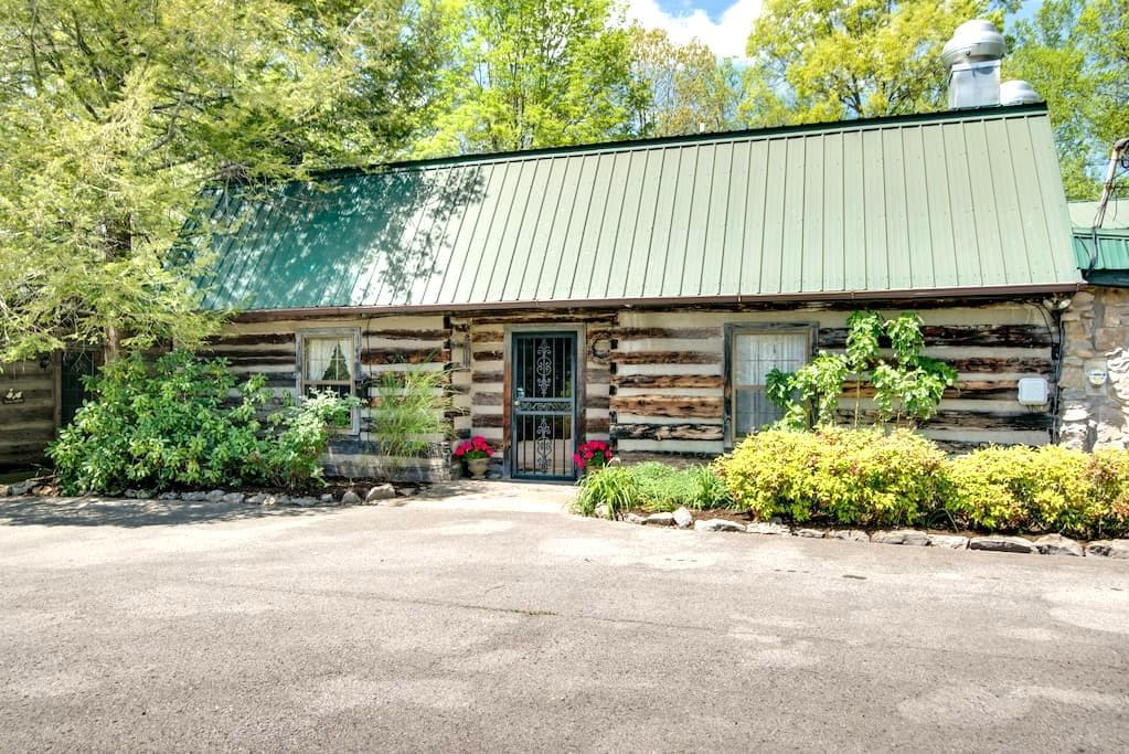 Country Inn Steeped in History/Hachland- Cedar #3 - Nashville