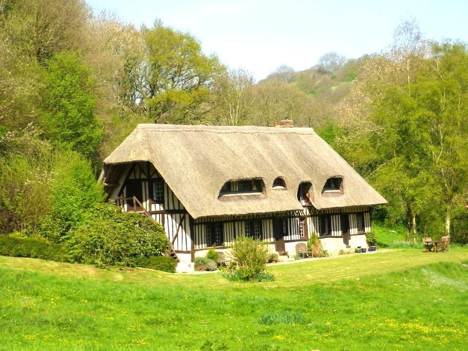 Chaumière Normande à Etretat - Le Tilleul, Seine - Huis