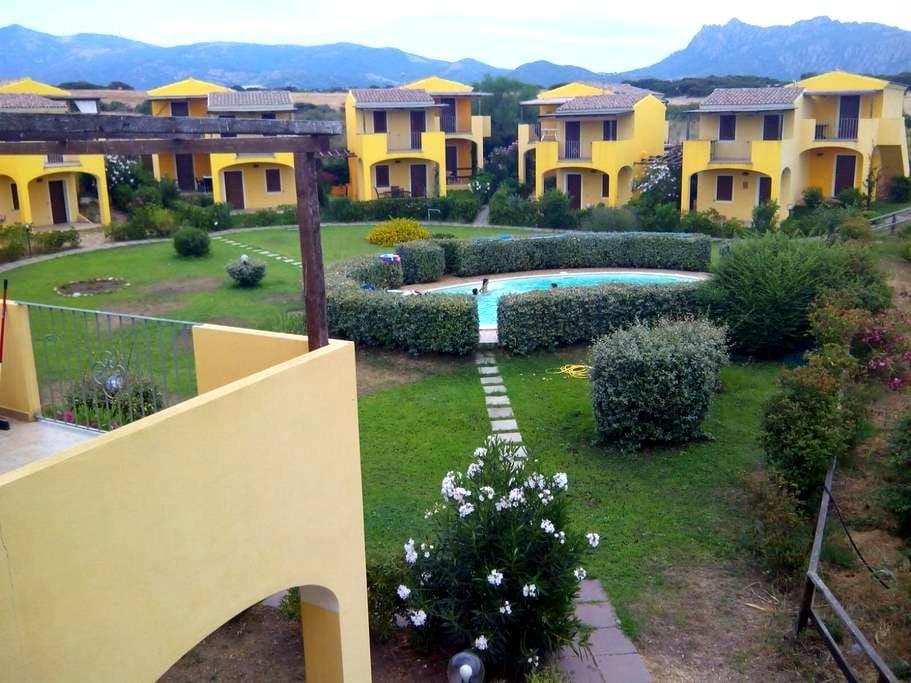 Casa con piscina vicino al mare - Viddalba - Apartamento
