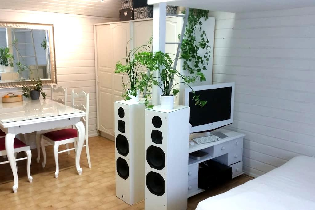 Cozy woodhouse flat - Turku - Appartement