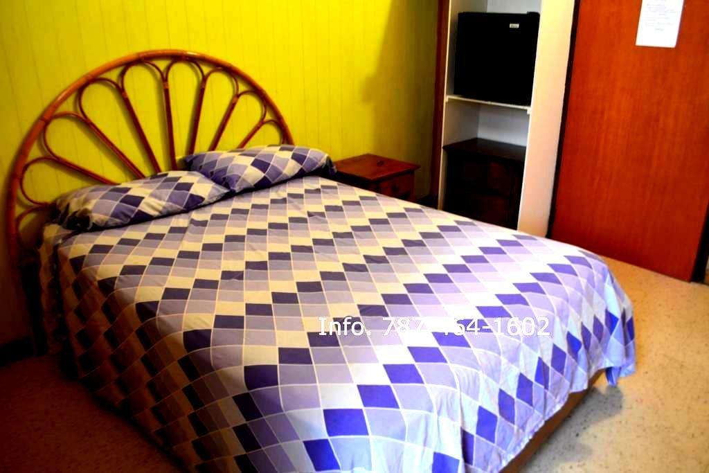 Yolanda's Guest House Room #4 - La Parguera - Huis