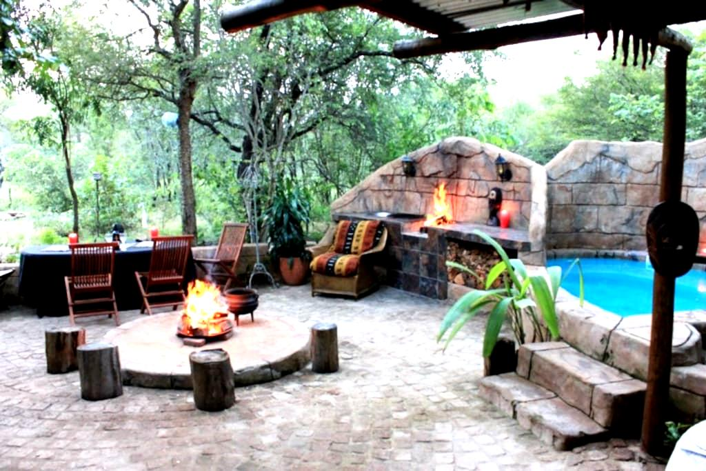 Mo Rocca Kruger-The Lizard Lounge - Marloth Park