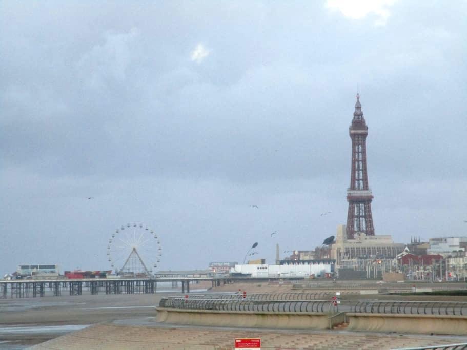 Family flat 2 mins from Beach, Blackpool - Blackpool