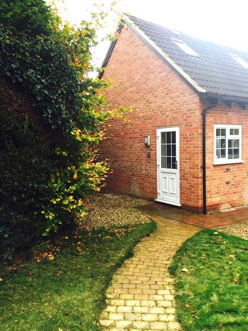 Private Annexe in Beautiful Village - Great Shefford