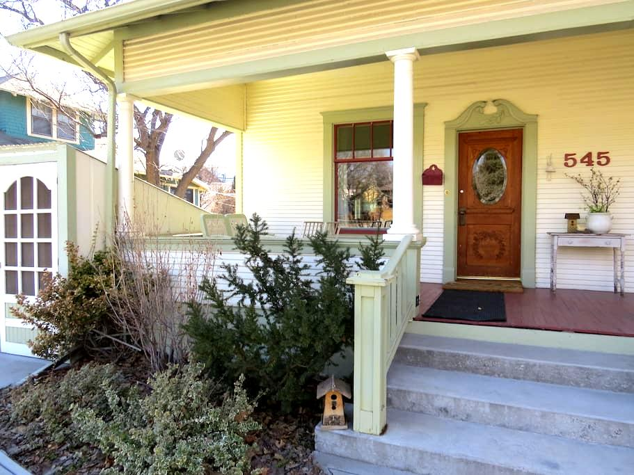 College Neighborhood Bungalow - Pocatello - Byt