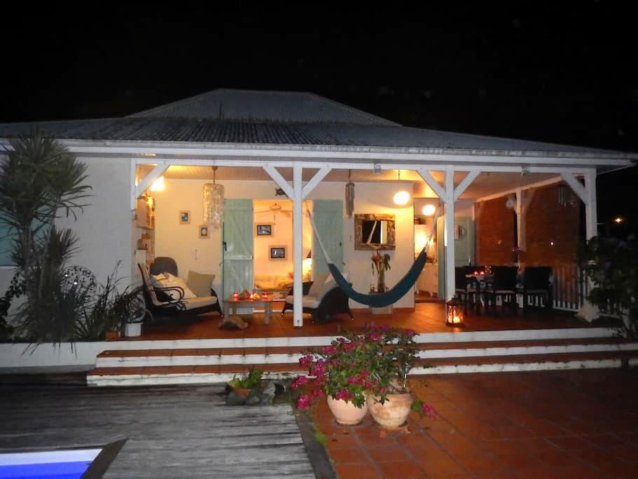 La maison du Gecko - La Trinité - Casa