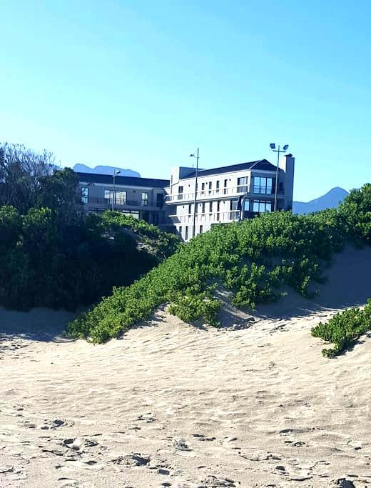 Longbeach Apartment - 6 Strand - Cape Town - Flat