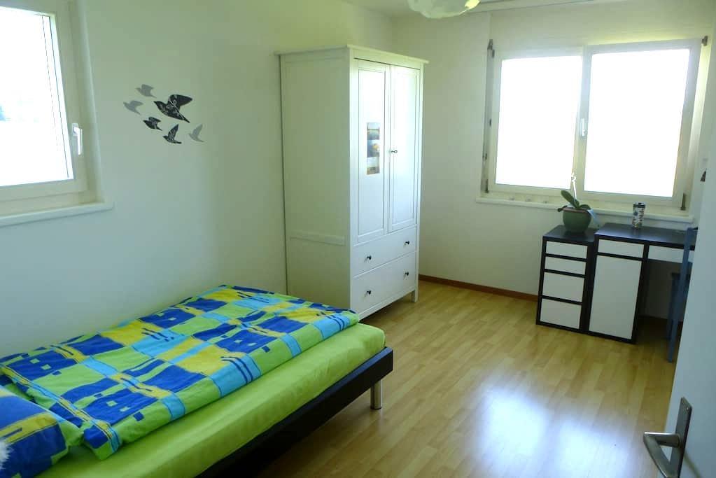 Zimmer am Stadtrand für 1-2* Pers - Winterthur - Bed & Breakfast