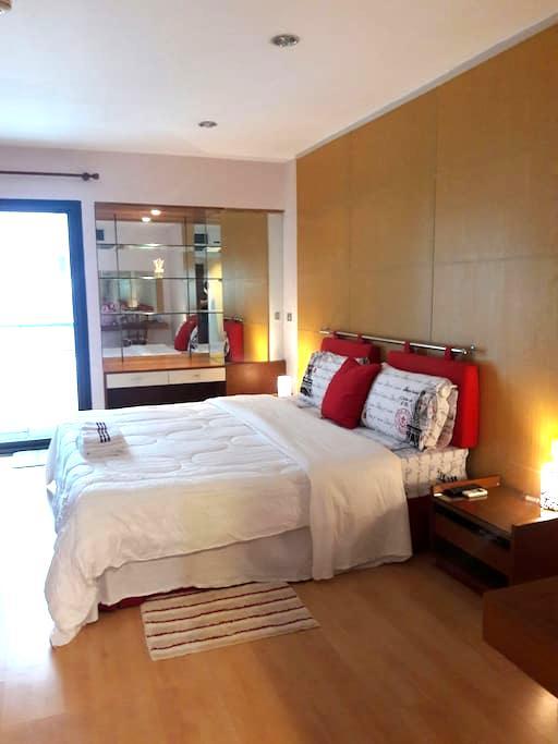 Private studio room for 2 person! - Bangkok - Apartamento