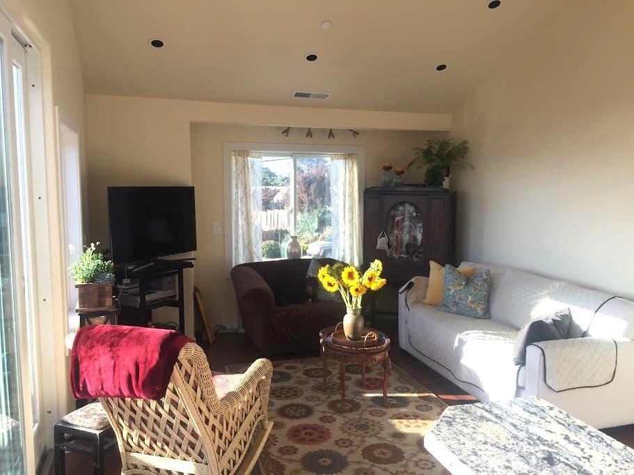 Sunny Seaside Bungalow - Seaside - Apartament