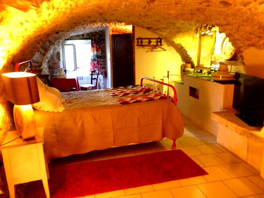 Les Chambres d'hôtes du clocher - Vallon-Pont-d'Arc - Bed & Breakfast