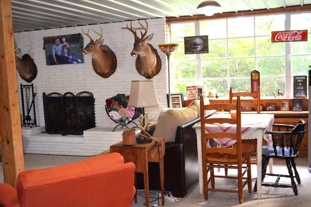 Bowman's Place-Cozy Cabin like Apt near UofA - Tuscaloosa